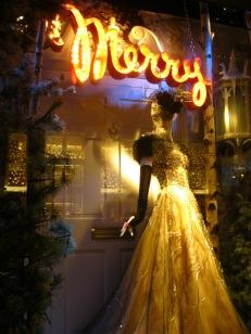 bergdorf-goodman-christmas-2010-merry.jpg